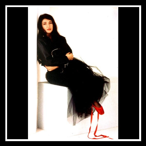 The-Red-Shoes-Promo-Foto-B